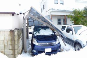 カーポートと雪